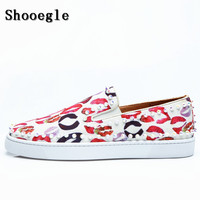 SHOOEGLE Chaussure Homme Men Lips Prints Flats Mixed Color Casual Shoes Rivets Spikes Pattern Loafers Shoes Wedding Party Shoes