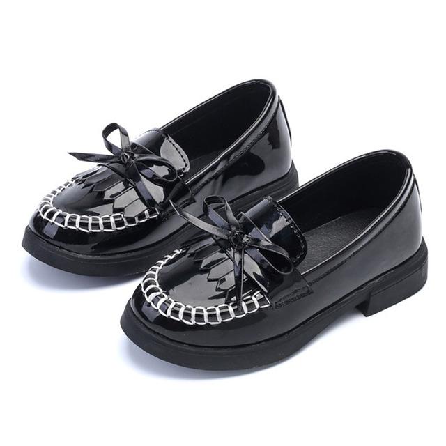 Franja niños niñas shoes slip negro pu de la patente de cuero niños vestido de la muchacha shoes para el partido pajarita princes girls school shoes