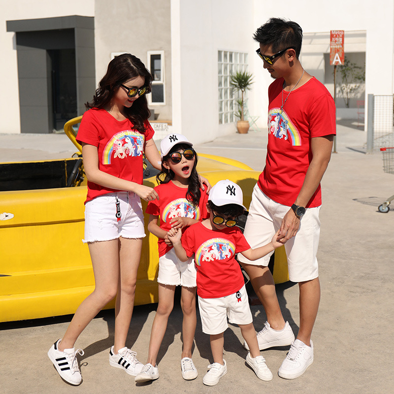 2018 New Family matching clothes Short-sleeve cotton mother and daughter kids cotton T-shirt Rainbow Horse design children tees