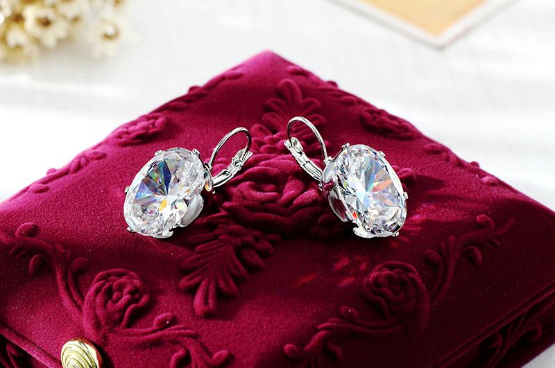 CARSINEL Silver color Big Oval Zircon Hoop Earrings for Women Fashion Austrian Crystal 13*18mm CZ Bijoux Girls
