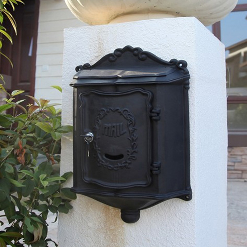 Купить с кэшбэком European cast iron mailbox Wall Mount Metal Post Letters mailBox  Vintage Newspaper box outdoor Post Letter mailBox