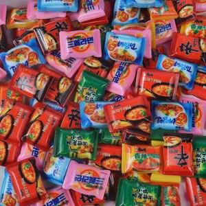 Image 3 - Mini brinquedos de brinquedo para bonecas, brinquedos fofos de miniatura para brincadeiras de cozinha, resina instantânea de macarrão para bonecas e brinquedos de cozinha com 10 pçs/lote