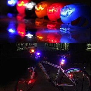 50 pçs/lote 4 Luz de Silicone À Prova D' Água Cores LED Luz Da Bicicleta Cabeça Frente Roda Traseira Da Bicicleta Luz Ciclismo Aviso Lanterna Traseira