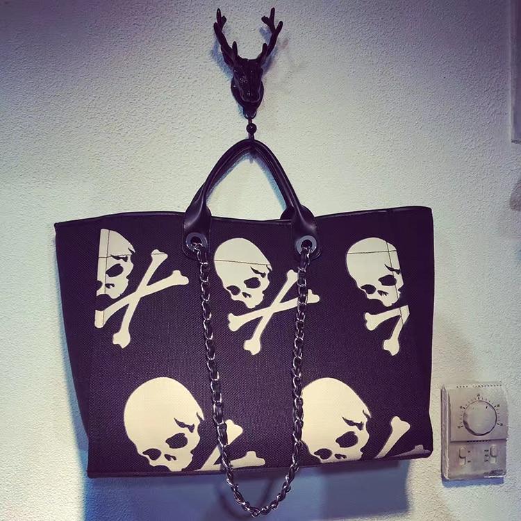 2017 Punk style skull pattern large capacity canvas Women's handbag chain shoulder bag casual Tote inner pouch недорго, оригинальная цена