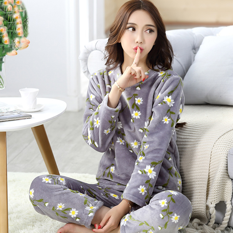 Winter Women Printing Flower Flannel Plus Thick Warm   Pajamas     Sets   with Long Sleeve O Neck Large Size Sleepclothes