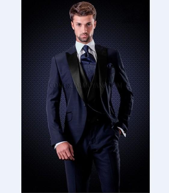 831c37b7c13 Custom Made Groomsmen Peak Black Lapel Groom Tuxedos Navy Blue Men Suits  Wedding Best Man Blazer (Jacket+Pants+Tie+Vest) B941