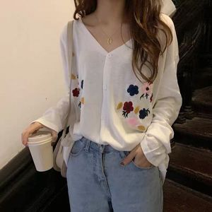 Korean Style Women Summer Cardigan 2019 Vintage Floral Embroidery V Neck Knitted Sweater Jacket Thin Knitwear Black White T317