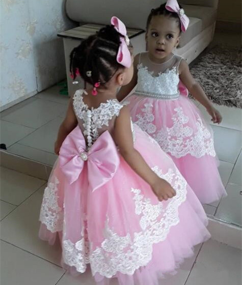 Lovely Pink Tulle Birthday Party Gowns with White Lace Appliques Bow Buttons Pearls Custom Made Flower Girl Dress Formal Wears