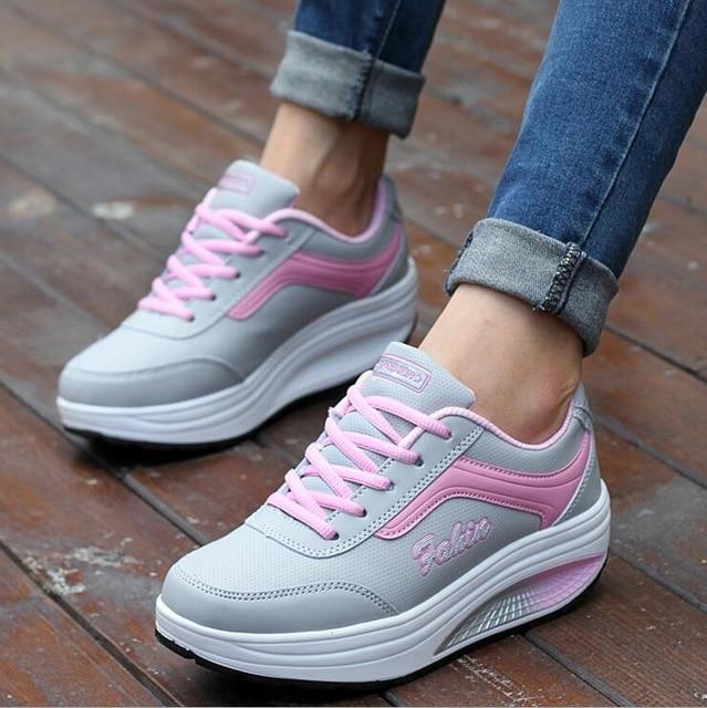7ed844c14 Mulheres Verão Tênis de Plataforma Cunhas senhoras Sapatos Casuais Sapatos  femininos Altura Crescente Lace Up Trainers