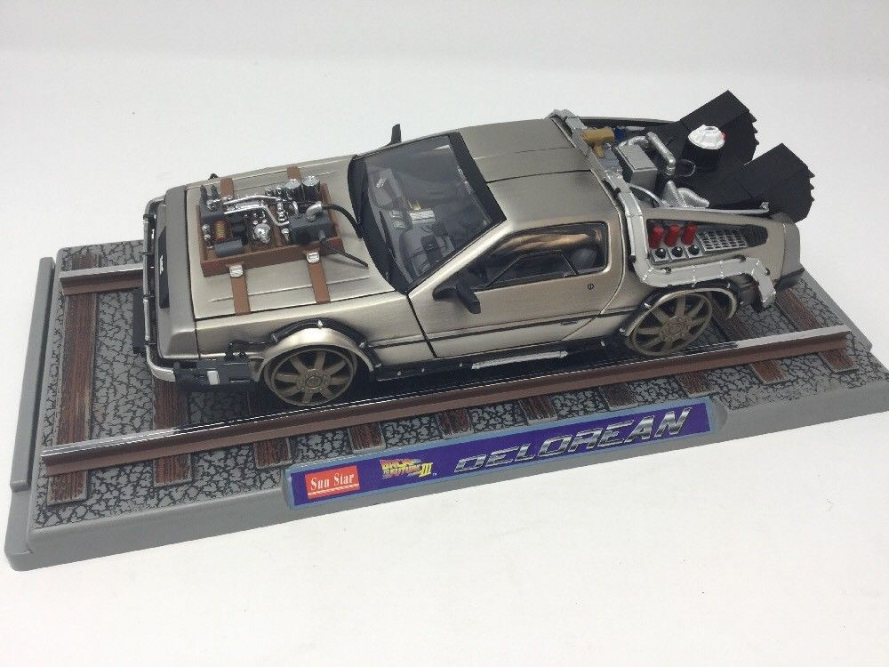 1:18 Diecast Model for Time Machine The 3 Movie Railroad Scifi Alloy y Car Miniature Collection