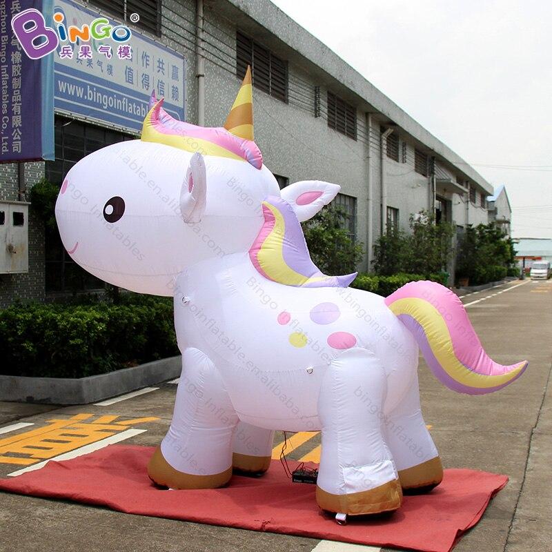 Dessin animé de cheval gonflable 3X2.6 m, gonflables de ballon de cheval de licorne d'air-jouet gonflable
