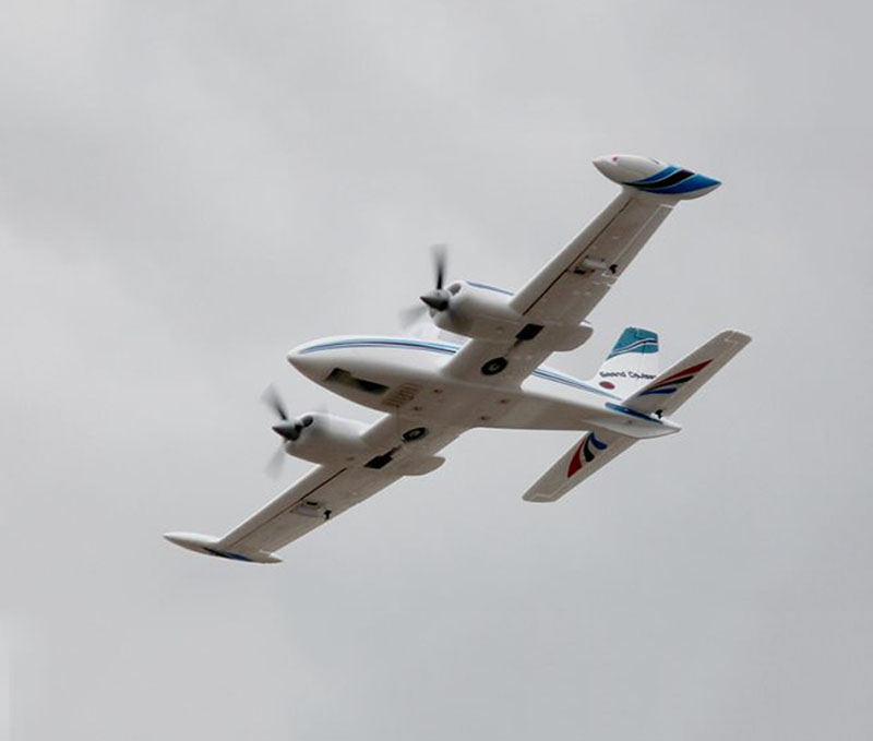 Dynam 1280MM Cessna 310 Grand Cruiser RC PNP Propeller Plane W/ Motor ESC Servos
