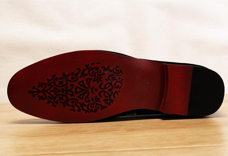 Men 2019 luxury Brand Designer shoes flock velvet Sun flower Embroidery gentleman loafers Dress Wedding driver Italian flats 18
