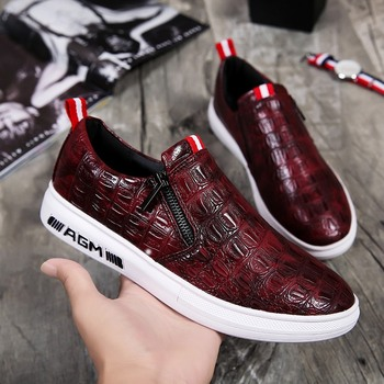 цена на 2019 Spring Young Boy Casual Footwear Red Black Casual Adult Shoes Designer Men Zipper Casual Sneakers Rubber Fashion Men Shoes
