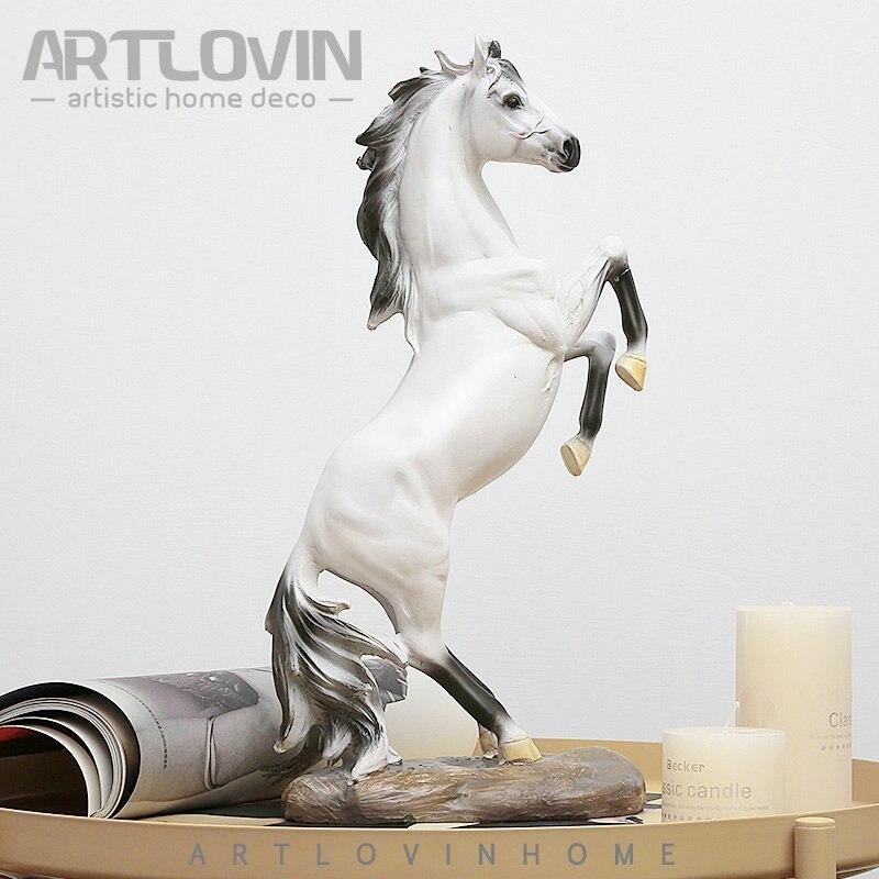 Nouvelle Année Cheval Décoration Des Statues Artisanat Vintage Résine Cheval Figurine Cheval Blanc Miniature Pour Bureau Bar Animaux Ornements Vente