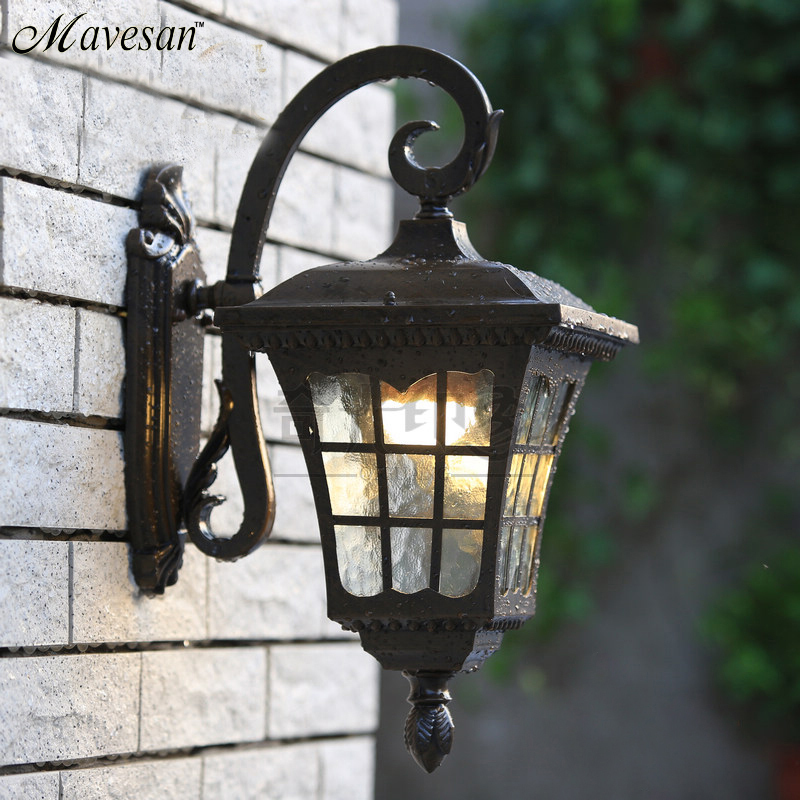 Thrisdar 8w waterproof wall lamp outdoor.