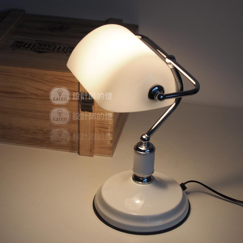 A1 Designer lamp table Lamps creative European bedroom bed decoration American retro bank desk lamp Jiang Jieshi desk lamp FG918