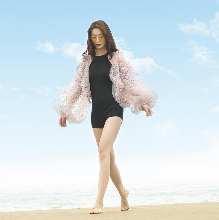 Été plage robe 2019 Sexy couvrir haut maillot de bain Industries lourdes dentelle à manches longues blanc dentelle solide