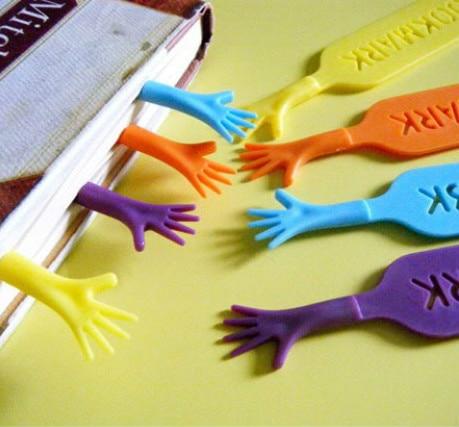 4 pcs/lot Help Me Colorful Bookmarks set plastic novelty Item creative gift for kids chidren 01427