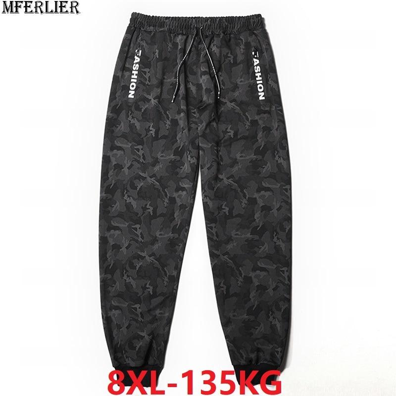 Зимние мужские флисовые тренировочные штаны камуфляжные спортивные штаны теплые с буквенным принтом размера плюс 6XL 7XL 8XL осенние спортивные штаны эластичные тянущиеся 50-in Спортивные брюки from Мужская одежда