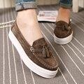 Las mujeres Zapatos de Los Planos Marca Enredaderas Zapatos de Plataforma Mocasines Mocasines Slip On Con Gamuza de Piel de Invierno de La Borla de Zapatos Chaussure Femme