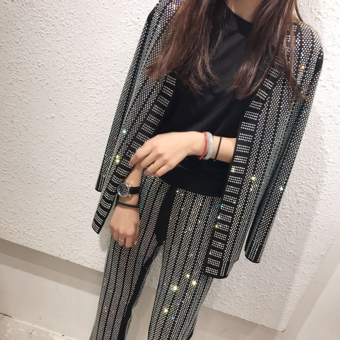 Модный бренд для женщин блесток наборы для ухода за кожей костюмы 2018 High Street горячей бурения блейзер + длинные брюки девоч