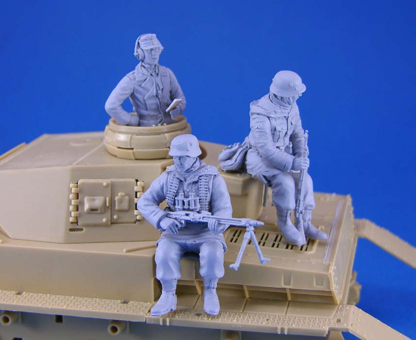 цены pre order-Resin toys L0116 WWII German Tank Crew and Riders set Free shipping