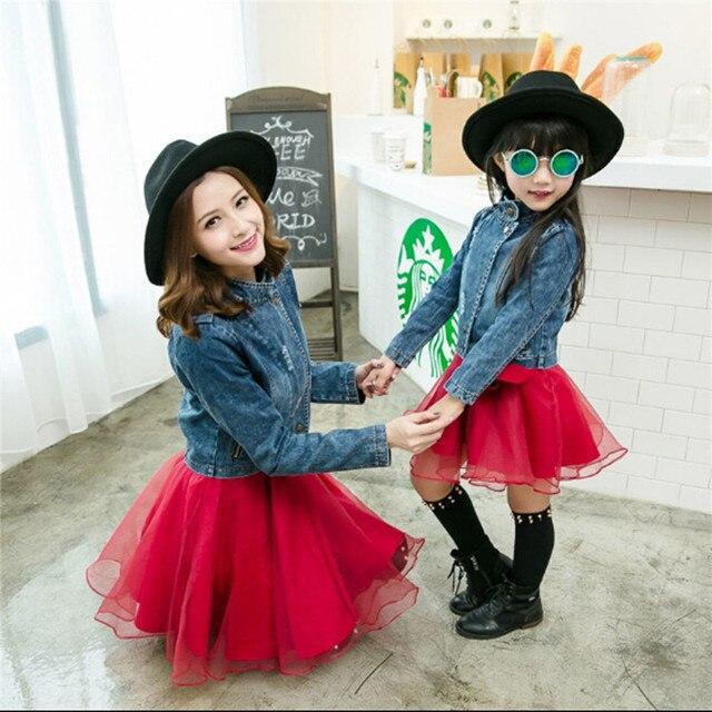 Семья посмотрите новый соответствия весной и осенью джинсы с коротким рукавом куртки casual спортивный костюм мать и дочь одежда