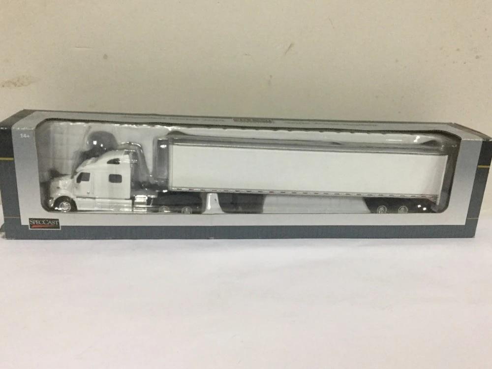 Peterbilt 387 Agco Limited Edition 1:64 Scale Die-Cast Metal Replica SC33571