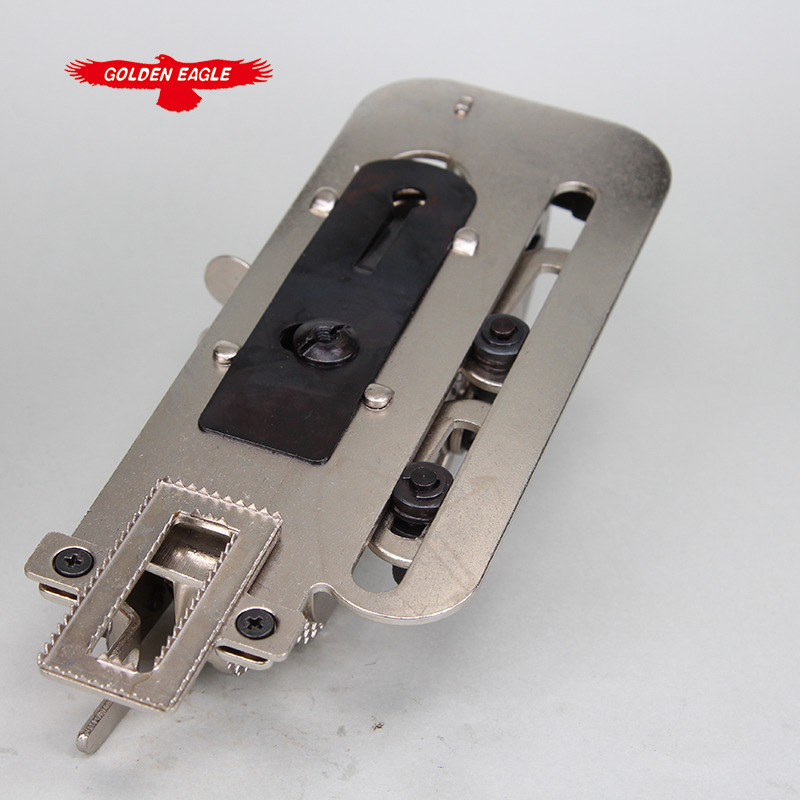 YS-4455 sewing machine presser foot catcher industrial keyhole device