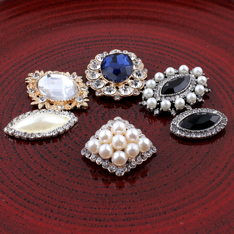 Aliexpress.com   Buy 30pcs Lot Mixed Vintage Oval Shape Metal Rhinestone  Pearl Buttons Flower Centers For Kid Girl Hairband Prom Handmad Accessories  from ... 899f75c98aa1