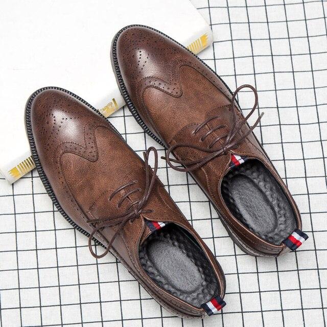 2018 Новая мода Мужская модельная обувь Винтаж оксфорды Свадебная вечеринка Деловая обувь Человек Размеры 45 46 men0006
