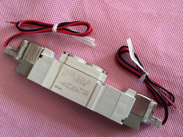 BRAND NEW JAPAN SMC GENUINE VALVE SY5320-6LZD-01 [sa] new japan smc solenoid valve syj5240 5g original authentic spot