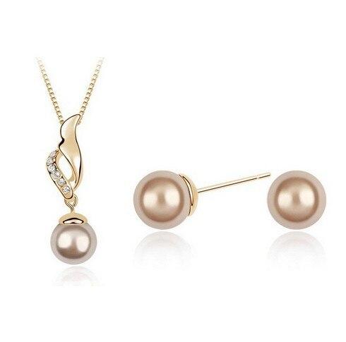 1aaed2877847 2016 Corea joyería de perlas establece Ángel alas collar + pendientes set  oro color para las mujeres LM-S139
