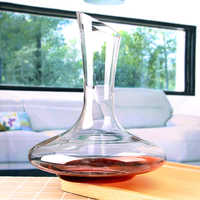 1.8L Classic Wine Decanter Handmade Crystal Red Wine Pourer Vivid Champagne Decanter Red Wine Carafe 60 ounce Capacity