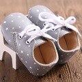 New Classic Ocio Cuero de LA PU Bebé Recién Nacido Niño Niños Caminantes primera Cuna bebés Bebé Estrella Patrón de Hermosos Zapatos Retro botas