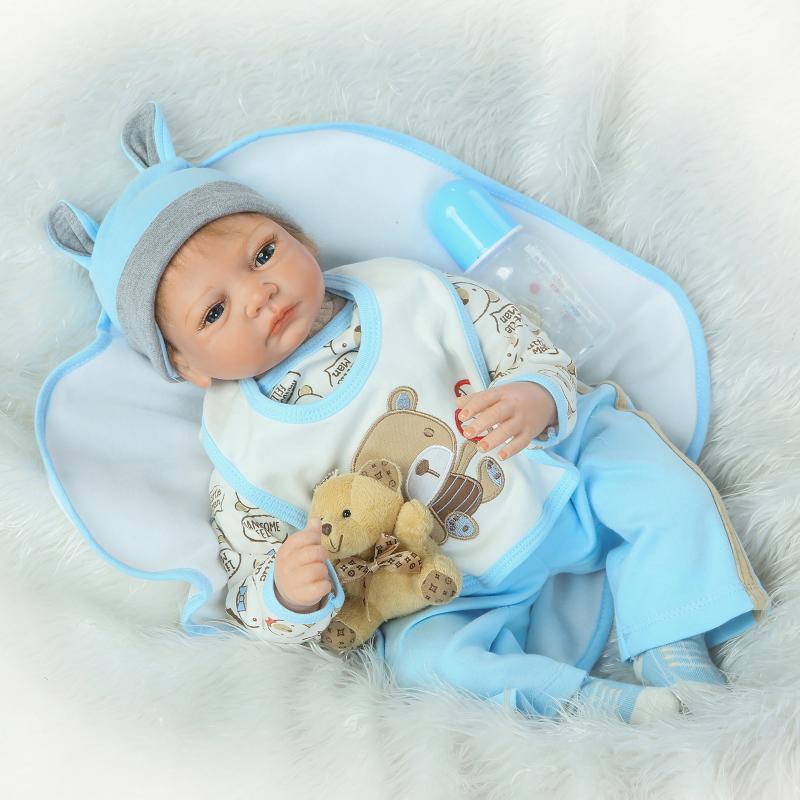Nicery Bebe Poupée Reborn 20-22 pouce 50-55 cm Doux Silicone Garçon Fille Jouet Reborn Bébé Poupée cadeau pour Enfant Ours Brun Bleu Blanc Bib