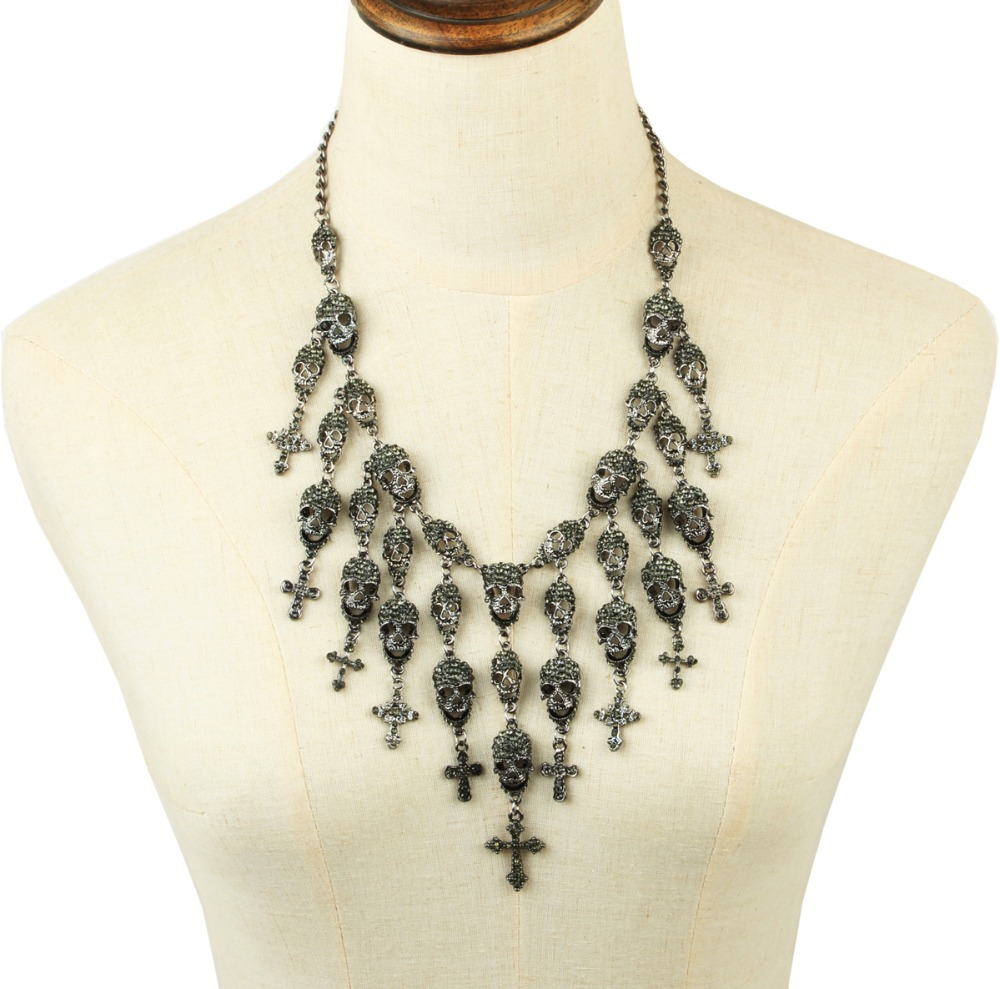 Fashionable crystal cross skull necklace costume black crystal skull necklace statement skull jewelry Gothic Skull accessory