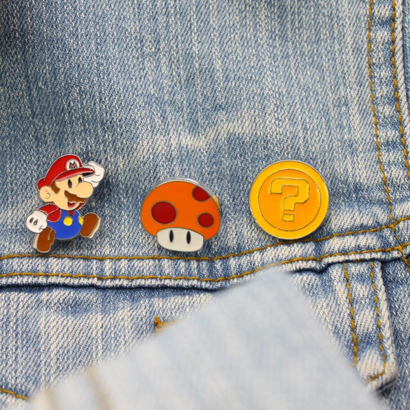 1pc Hot Sale Cartoon Anime Super Mario Mushroom Cosplay Badges Cute Icons On The Backpack Pin Brooch Badge Figure Toys Gift
