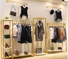 Витринные вешалки в женских магазинах одежды
