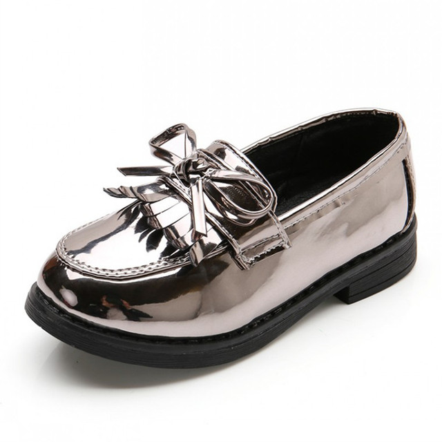 bf8c0ef74a5a 2018 Classic Girls Shoes With Tassels British Style Kids Sneakers PU Patent  Leather Shoes For Girls Children Loafers Size 26-36