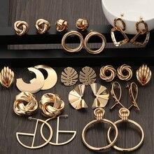 2020 moda clásica retorcido de color dorado amor nudo Stud pendientes para mujeres Simple geométrica pequeños pendientes para novia joyería