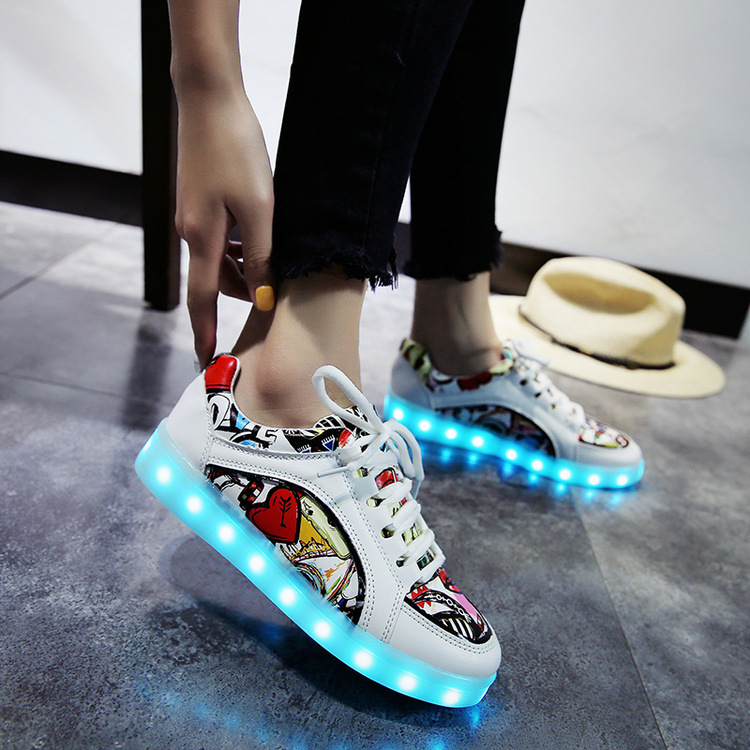 2018 New 7 Colors Usb Recharging Luminous Sneakers Led Shoes with Light Up Shoes Girls Glowing Shoes children s shoes girls boys shoes led tennis glowing sneakers with luminous sole usb charging magic stickers kids shoes