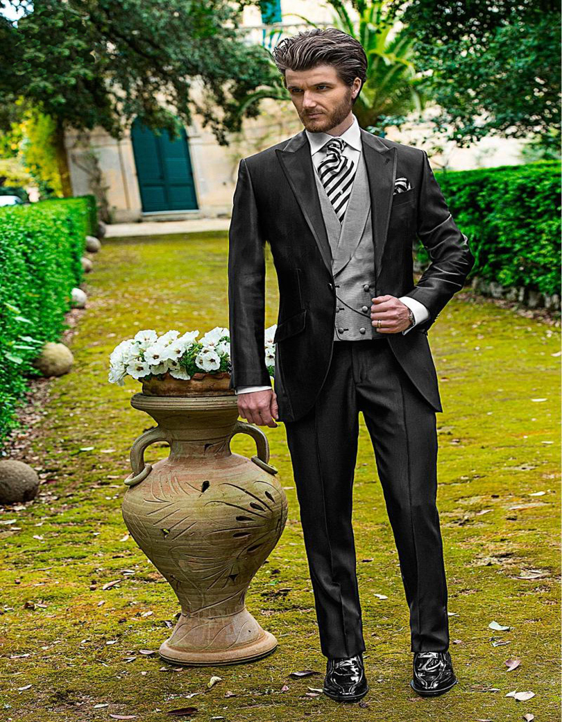 Pieces Charcoal Wedding Men Suit Peaked Lapel Italian Mens Suits Grooms Tuxedos Best Men Suit Jacketpantsvest In Suits From Mens Clothing