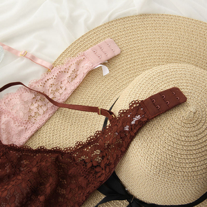 Image 4 - Wriufred Conjunto de sujetador de copa blanda de encaje para mujer, ropa interior con escote en V profundo, sujetador cómodo, lencería triangular ultrafina