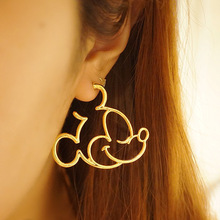 2017 New Fashion Cute Childlike Alloy Mickey /Donald/Minnie Statement Hoop Earrings For Women Cartoon Earrings Girls Bijoux