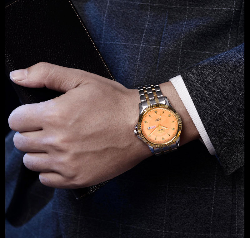 The best-selling 2018 classic men's quartz watch is the best example of the best-selling business casual and simple. the best chrismas