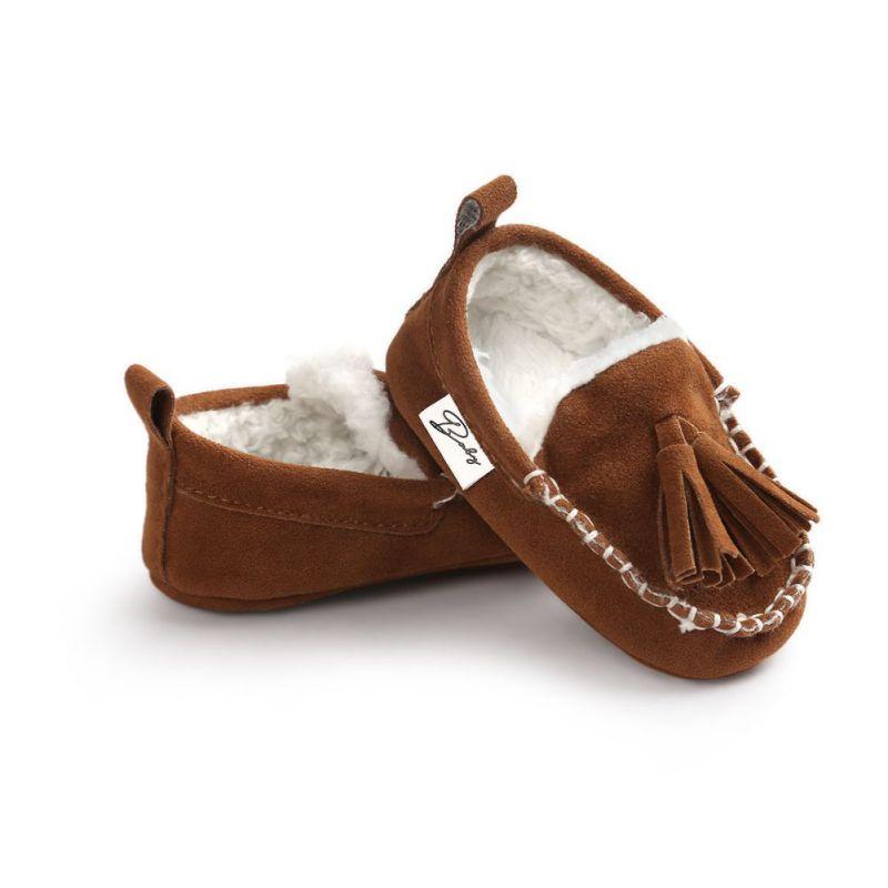 1fda76b91cdf Hiver Bébé Pu En Cuir Infantile Bottes En Daim Bébé Mocassins Nouveau-Né  Princesse Bébé Chaussures