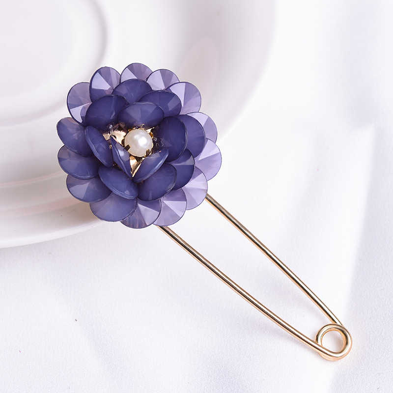 SUKI Blue Round Petal Brooch Ladies Coat Chest Accessories Scarf Buckle Crystal Blue Flower Large Pins Brooch Gift
