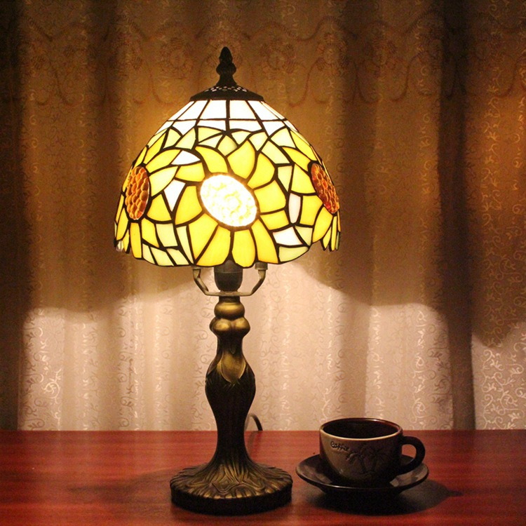 Stained Glass Sun flower Creative RetroPastoral countryside Art dining room, bedroom Bedside decorative desk lamp 110-240V E27 originality stained glass garden flower desk lamp american pastoral countryside hotel barbedside led lamp 110 240v dia 20cm